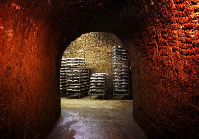 Cave d'affinage de l'AOP Saint-Nectaire